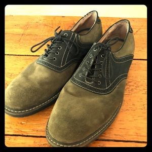 GH Bass & Co Suede Saddle in Moss and Navy